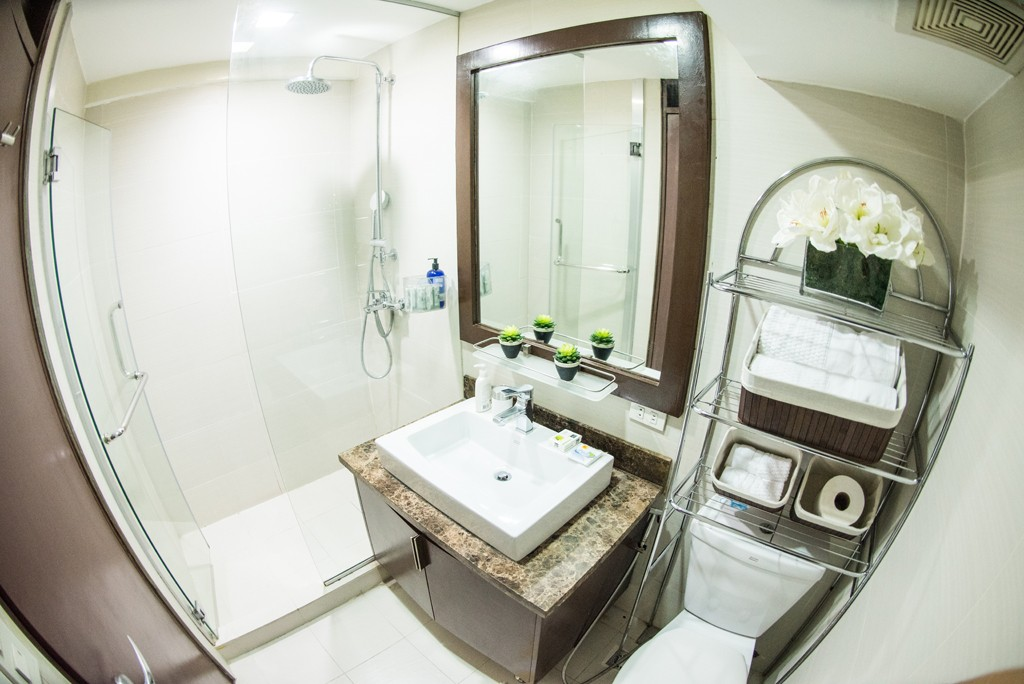 1br-condos-for-sale-bathroom-fort-bgc-global-city-taguig-philippines