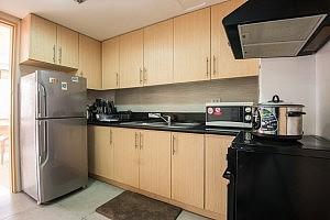 kitchen-condo-forrent-in-tuscany-mckinleyhill-fort-bonifacio-globalcity-taguig