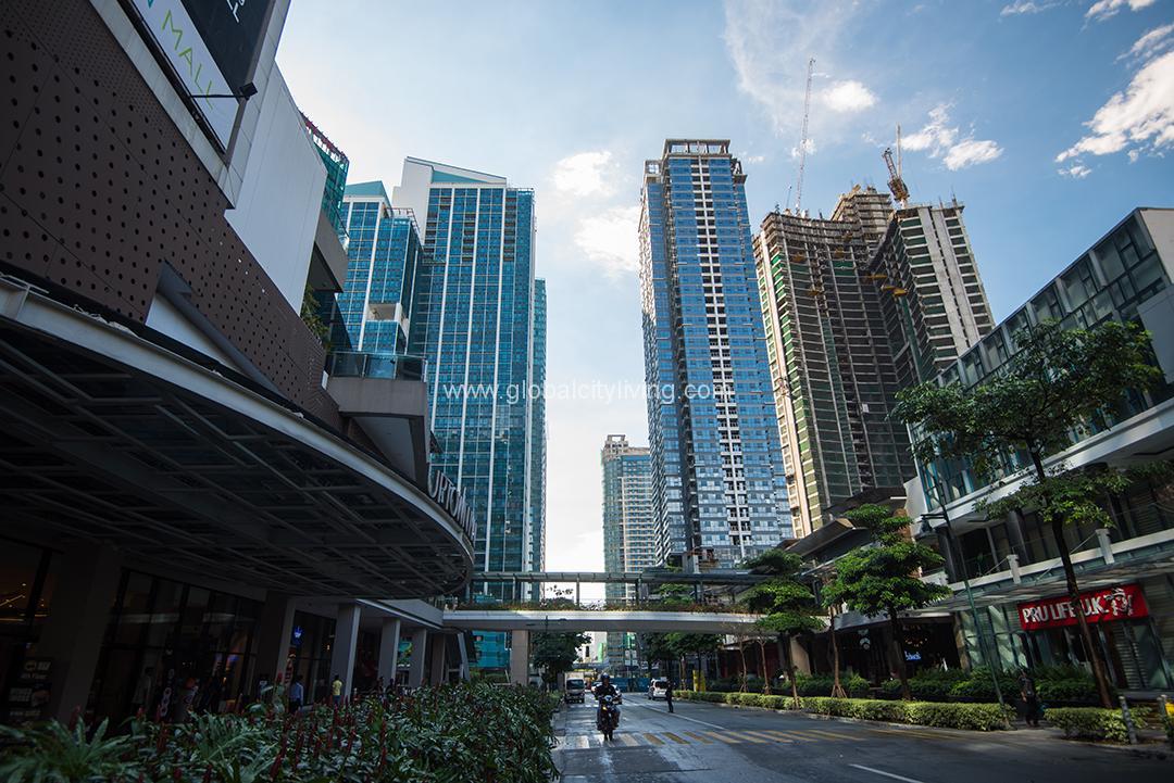 Uptown Parksuites in Global City   Megaworld's Best Condominium