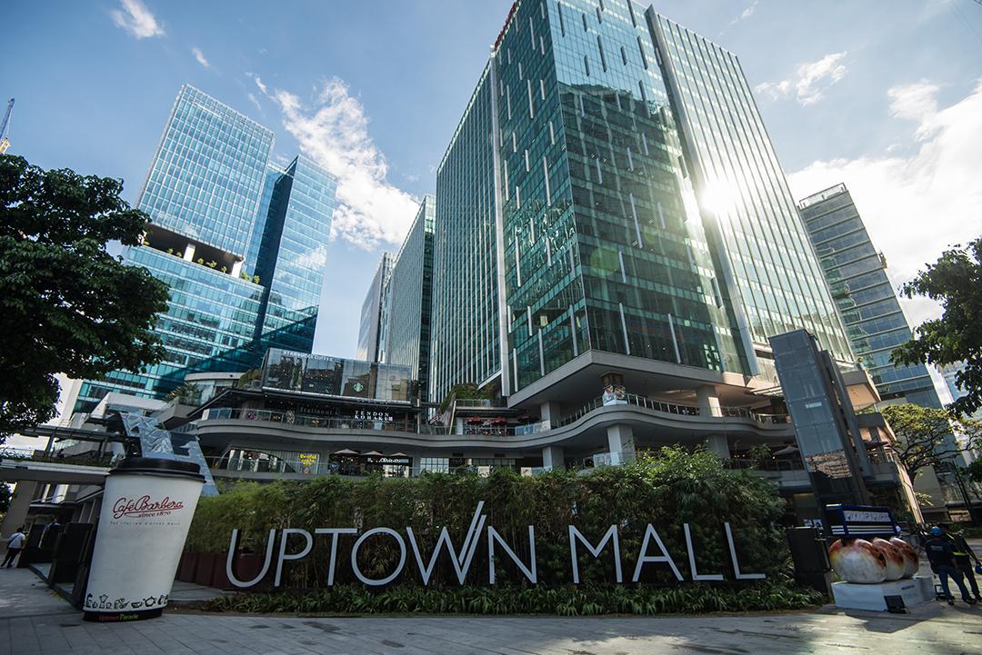 Uptown Bonifacio Condo For Resale in BGC