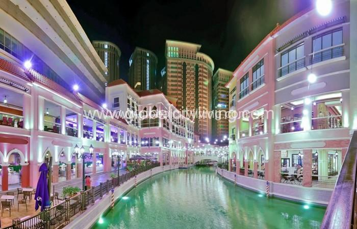 venice-grand-canal-with-venice-mckinley-hill-condominium-view