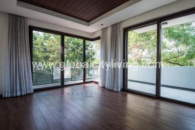 5-bedroom-house-and lot-for-sale-in-mckinley-hill-village-fort-bgc-global-city-taguig-philippines
