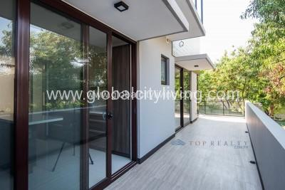 5-br-house-and lot-for-sale-in-mckinley-hill-village-fort-global-city-philippines-balcony