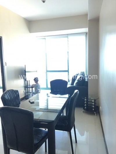 Semi-furnished-1-bedroom8-forbestown-road-1br-condo-forsale