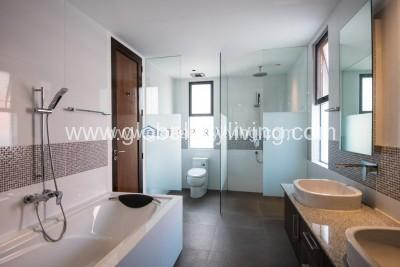house-and-lot-for-sale-in-mckinley-hill-village-bathrooms