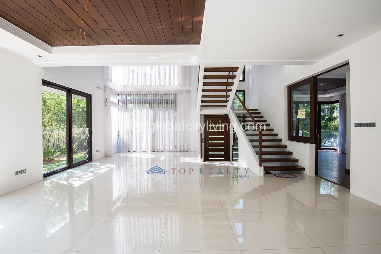 Mckinley Hill House And Lot For Sale In Fort Bonifacio Bgc