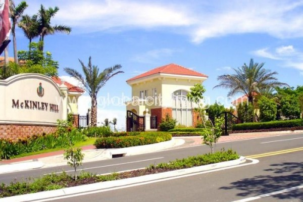 mckinley-hill-village-house-and-lot-for-sale-in-fort-bonifacio-bgc