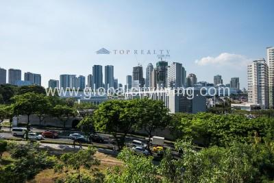 overlooking-bgc-skyline-house-and lot-for-sale-in-mckinley-hill-village-fort-global-city-taguig