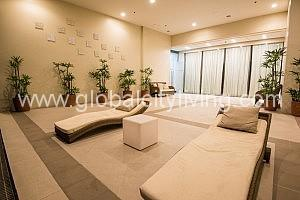 pool-amenities-at-8forbes-town-condo-for-sale-in-fort-bgc-taguig
