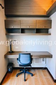 18 Morgan T3 16J - Bedroom Desk
