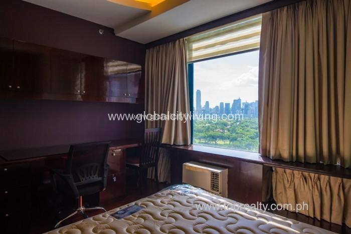 two-bedrooms-2br-golf-view-condos-forrent-in-fort-bonifacio-global-city-taguig-bgc