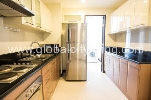 modern-kitchen-designs-rfo-condo-for-sale-in-makaticity