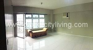 facing-amenities-3br-condo-forrent-serendra-bgc