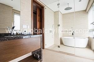 toilet-bath-two-bedrooms-4br-condo-forsale-in-serendra-east-tower-belize-fort-bonifacio-bgc