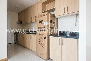 Kitchen 3BR Loft Condo Avant at the Fort For Sale in BGC