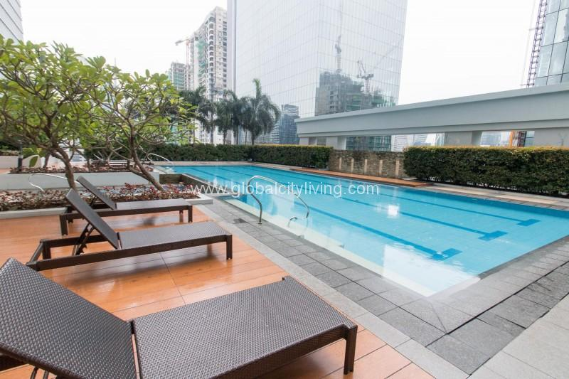 infinity pool amenities condo for sale in bgc