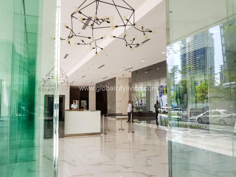 High Street South Corporate Bonifacio Global City Office Space For Sale