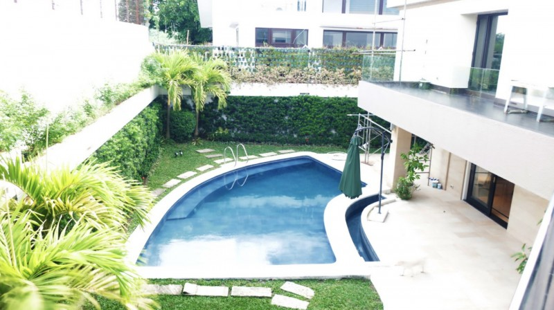 pool ayala heights house for sale in quezon city