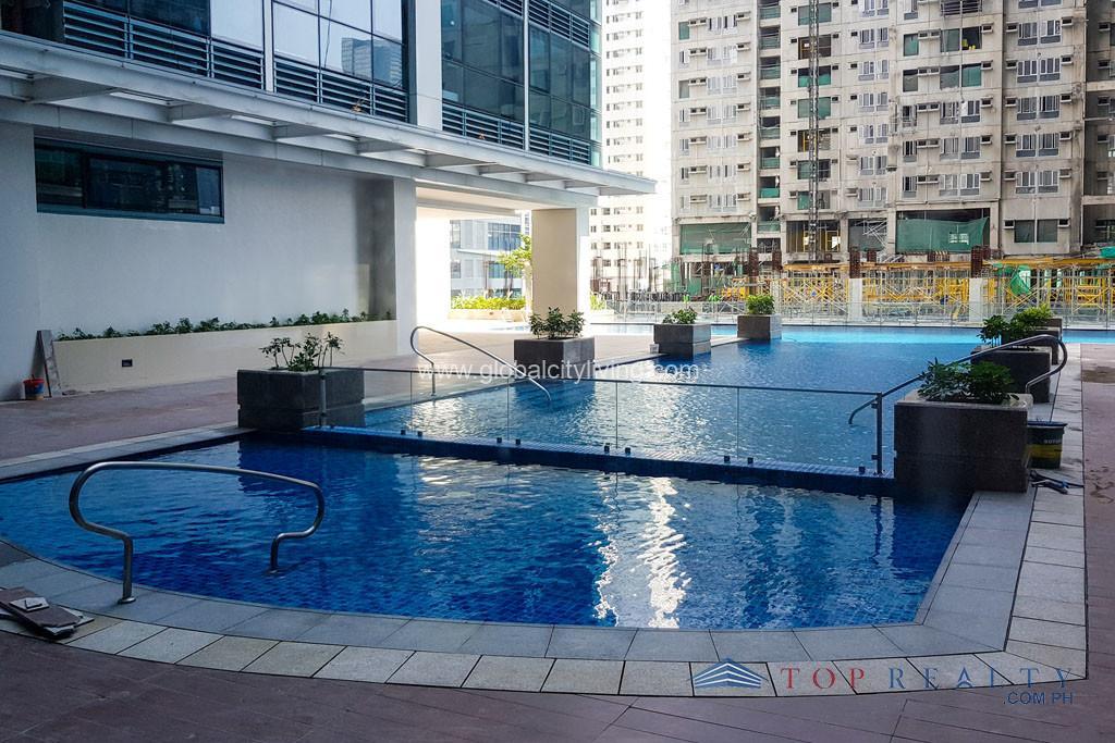 one uptown residences amenities