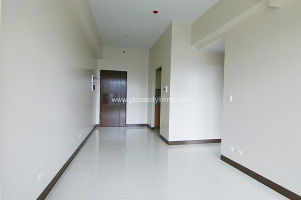 one bedroo condo for sale in florence mckinley hill fort bonifacio