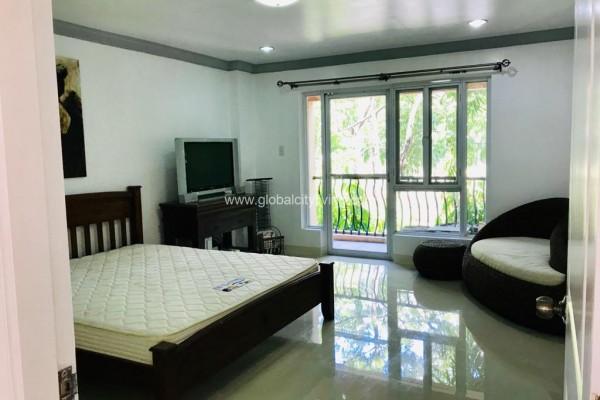three bedroom condo for sale mckinley garden villas